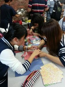 折り紙を教える