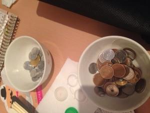 茶碗に小銭