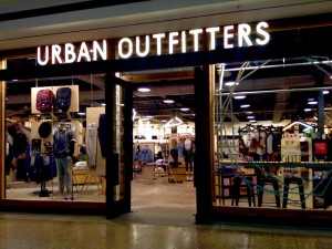 6359757919055595101286366731_urban-outfitters